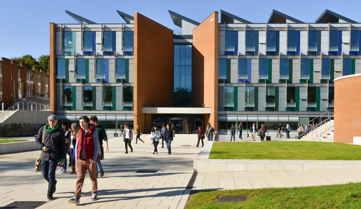 فراخوان بورسیه تحصیلی دانشگاه Sussex انگلستان
